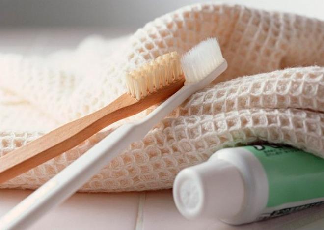 Зубные щетки, паста, мочалка